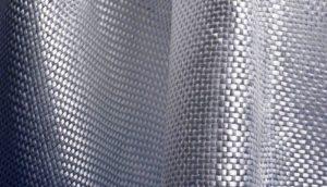 İtfaiyeciler ateşten korunmak için teknik tekstil ürünlerini kullanırlar
