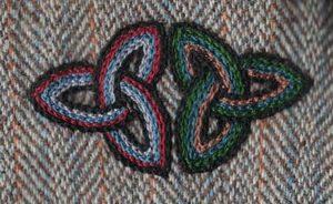 """Harris tweed"""" kumaşı üzerindeki zincir dikişde """"Kelt düğüm """" işi, Birleşik Devletler, 1990lar."""
